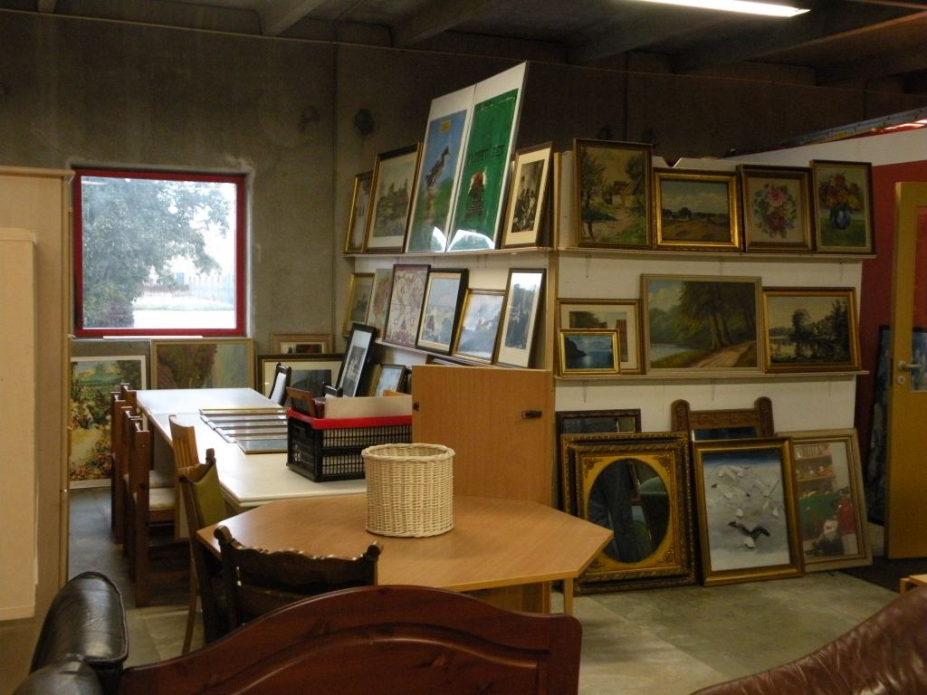 Møbel- og billed afdelingen